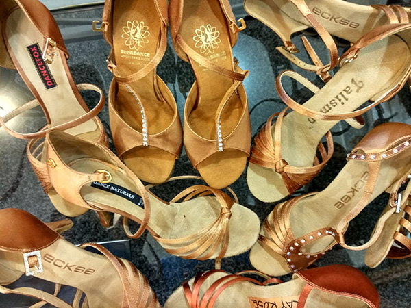 many_dance_shoes_c-2